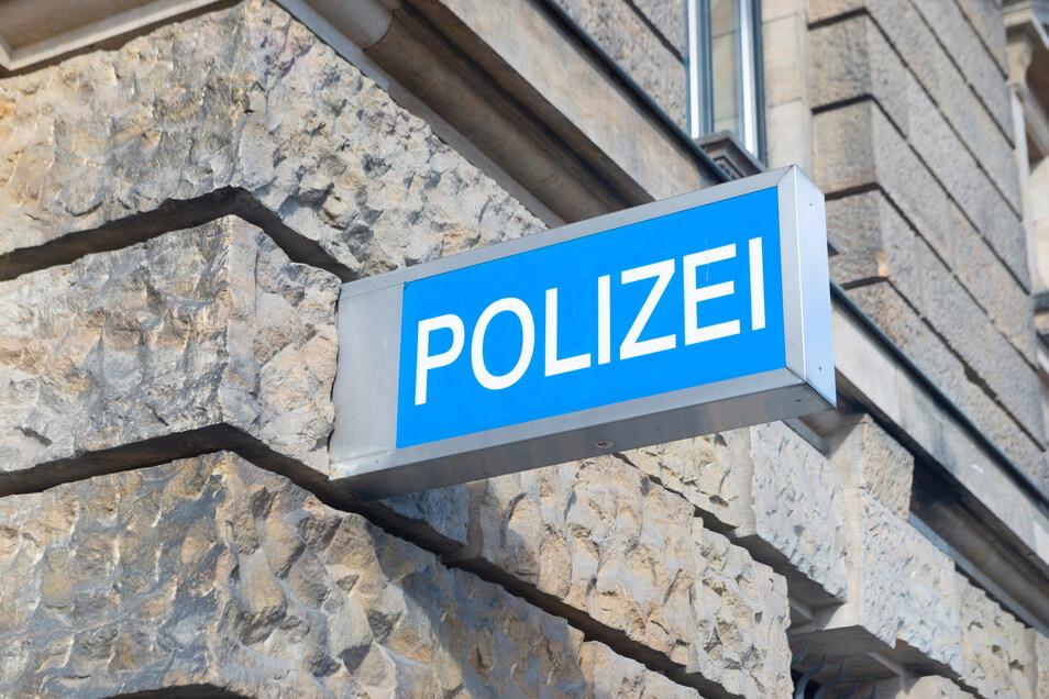 Am Dienstagvormittag wurde ein Mann zum Bautzener Polizeirevier gebracht, der sich nackt in der Stadt aufgehalten hatte.