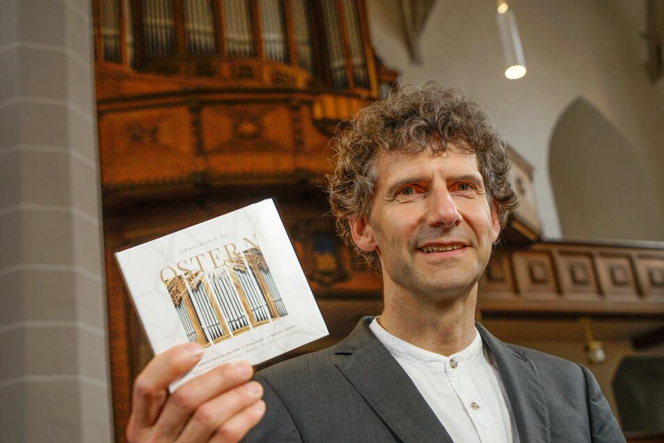Für eine neue CD hat Kantor Michael Vetter Stücke auf der restaurierten Orgel im Bautzener Petri-Dom eingespielt.