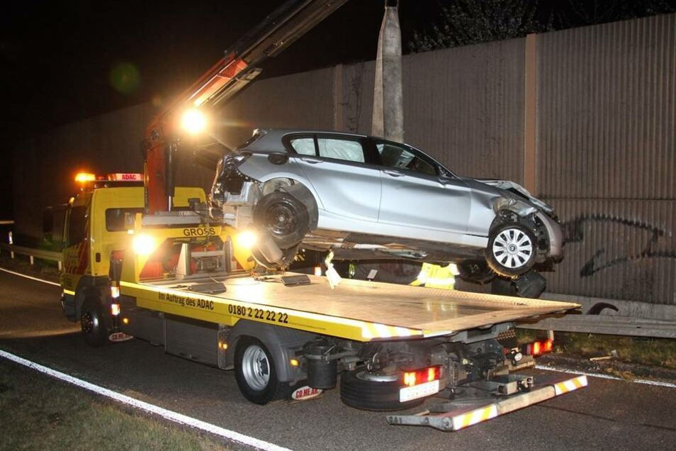 An dem Auto entstand ein Totalschaden.