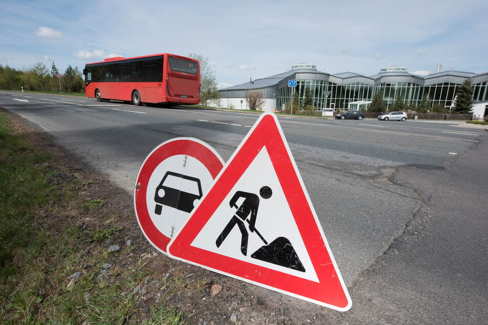 Ab Montag können die Busse wieder ungehindert von Altenberg nach Rehefeld fahren wie vor dem Straßenbau.