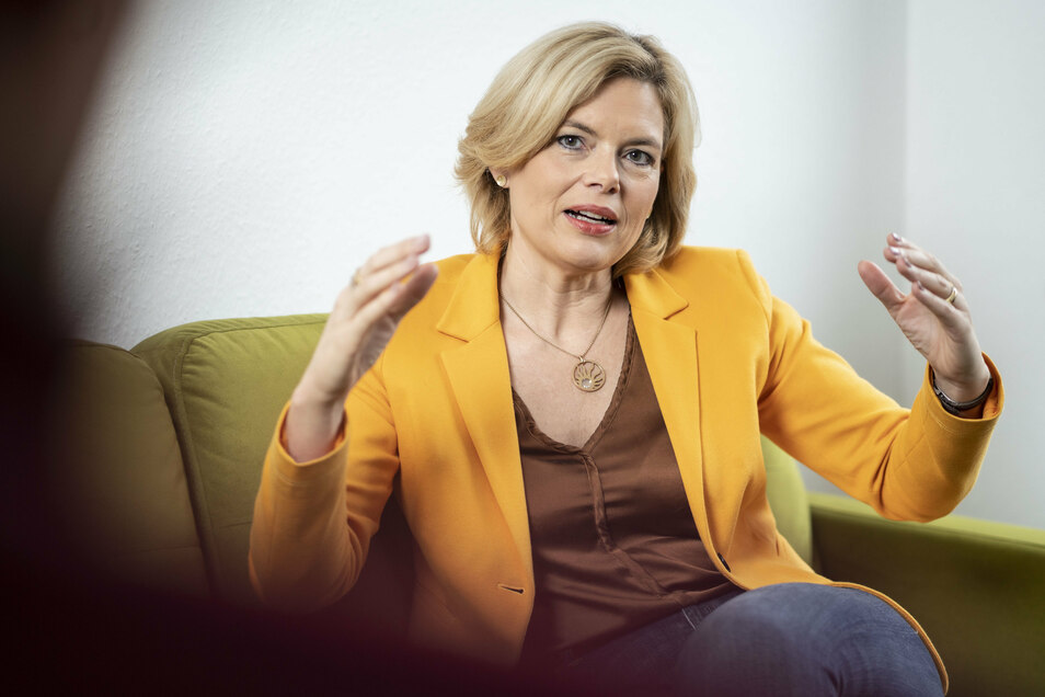 """""""Die einen Bauern demonstrieren gegen die anderen"""": Bundeslandwirtschaftsministern Julia Klöckner mahnt zum Kompromiss."""