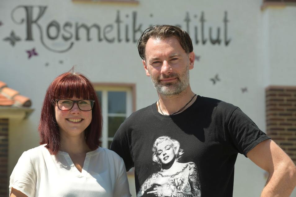 Stefanie Fischer arbeitet im Kosmetikinstitut Panitz in Löbau. Ihr Vermieter Thomas Wockatz konnte ihr den Job vermitteln.