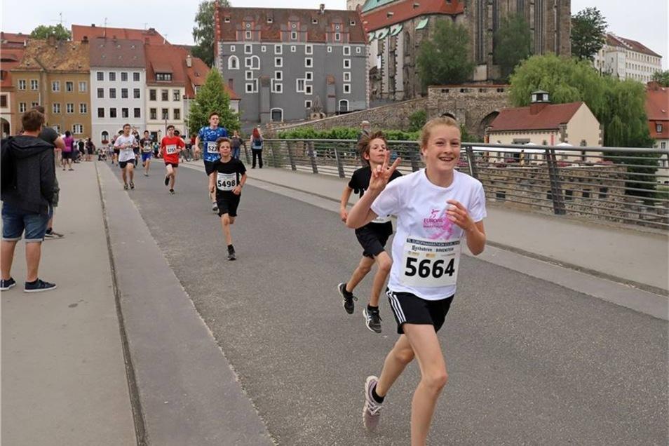Emma Bräuer (vorn) bewies ihr Talent und wurde Zweite in der Frauenklasse über fünf Kilometer.