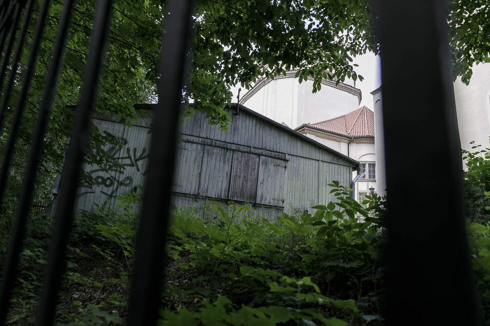 Auch die Baracke hinter der Synagoge an der Otto-Müller-Straße war einst ein KZ-Gebäude, und zwar im Biesnitzer Grund.