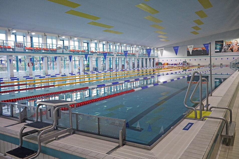 Wartet ab sofort auf Schwimmer: das Riesaer Hallenbad ist seit Donnerstag wieder für alle Besucher geöffnet.