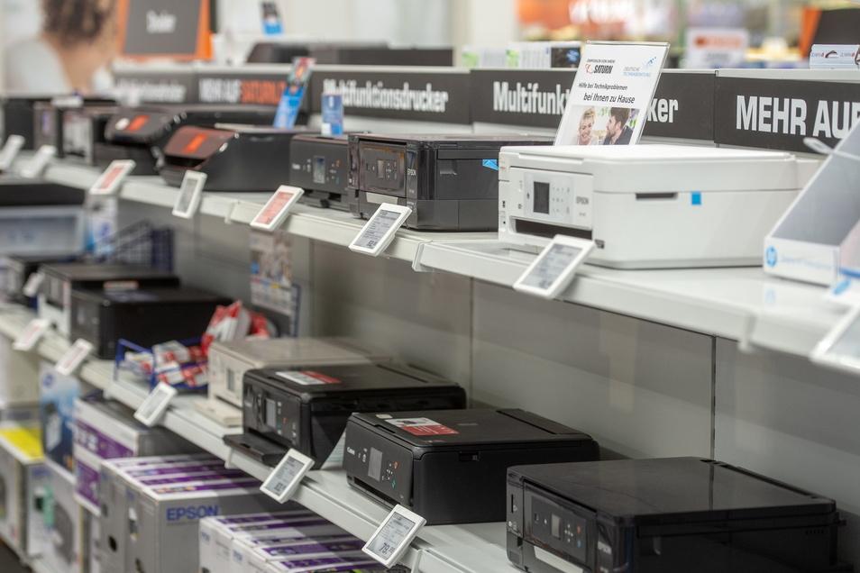 Die goldene Regel, dass die Preise von Fernsehern, Laptops oder Druckern ein paar Monate nach Markteinführung ins Rutschen geraten, wurde der Testberichte.de-Studie zufolge, im Corona-Jahr 2020 nicht nur außer Kraft gesetzt.