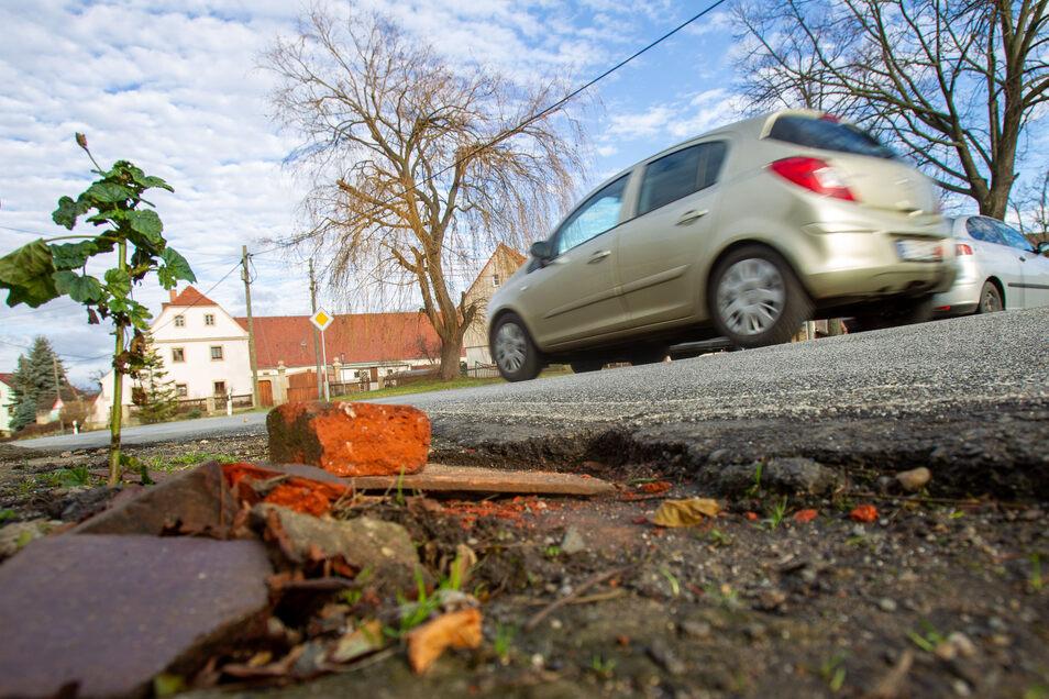 In Goes warten die Einwohner schon lange darauf, dass die schlechte Straße erneuert wird.