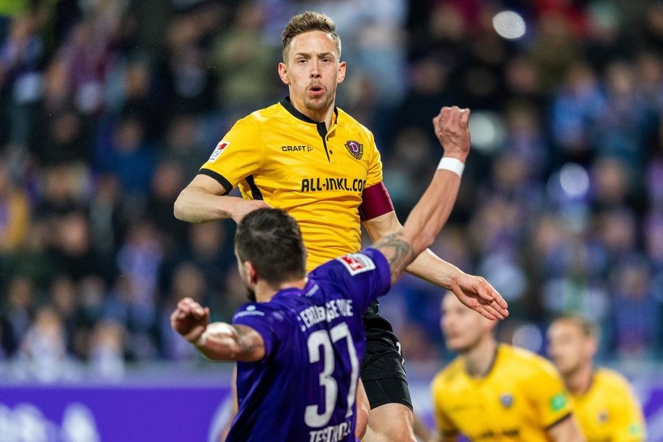 Bei Dynamos 3:1-Sieg im Sachsenderby bei Erzgebirge Aue am 1. April war Jannik Müller sogar Kapitän - und verteidigte unter anderem gegen Ex-Dynamo Pascal Testroet.