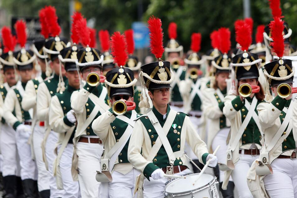Tolle Musik, exakte Formation. Wo die Radeberger Spielleute auftreten, ist ihnen der Beifall sicher. Am Wochenende wollen sie bei den Landesmeisterschaften etwas ganz Besonderes schaffen.