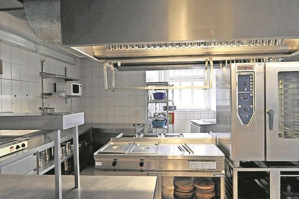 Die Küche: Die Hotelküche im Untergeschoss ist modern ausgestattet – samt begehbarer Kühlzelle.