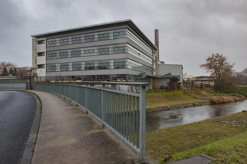 Die Großenhainer Stema hat das Gelände des früheren BTZ in Großraschütz für die Produktionserweiterung erworben. Dazu zählt auch das in den 1990-er Jahren errichtete Lehrgebäude.