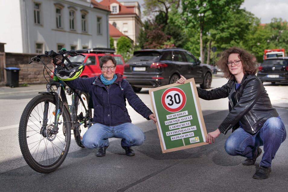 Die Grünen-Stadträtinnen Ulrike Caspary und Susanne Krause wollen Tempo 30 für ganz Dresden, an der Glacisstraße könnte das Projekt starten.
