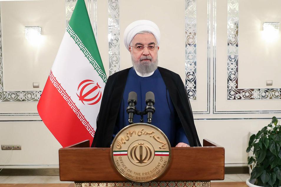 """Der iranische Präsident Hassan Ruhani gratulierte dem iranischen Volk zu einem """"diplomatischen Sieg"""" über die USA."""