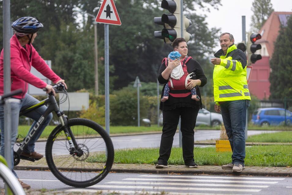 Susann Peeck und Steffen Binnewerg öffnen am Sonnabend den Verkehrsgarten Freital.