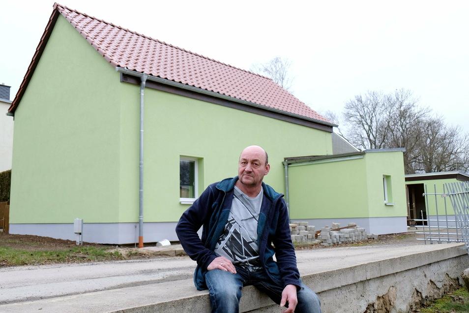 Harry Felber, Vereinsvorsitzender des Kegelsportvereines in Ziegenhain, ist glücklich: Die energetische Sanierung des Vereinsheimes ist fast abgeschlossen.