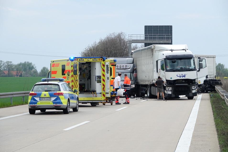Die Autobahn Richtung Nossen musste vollgesperrt werden.