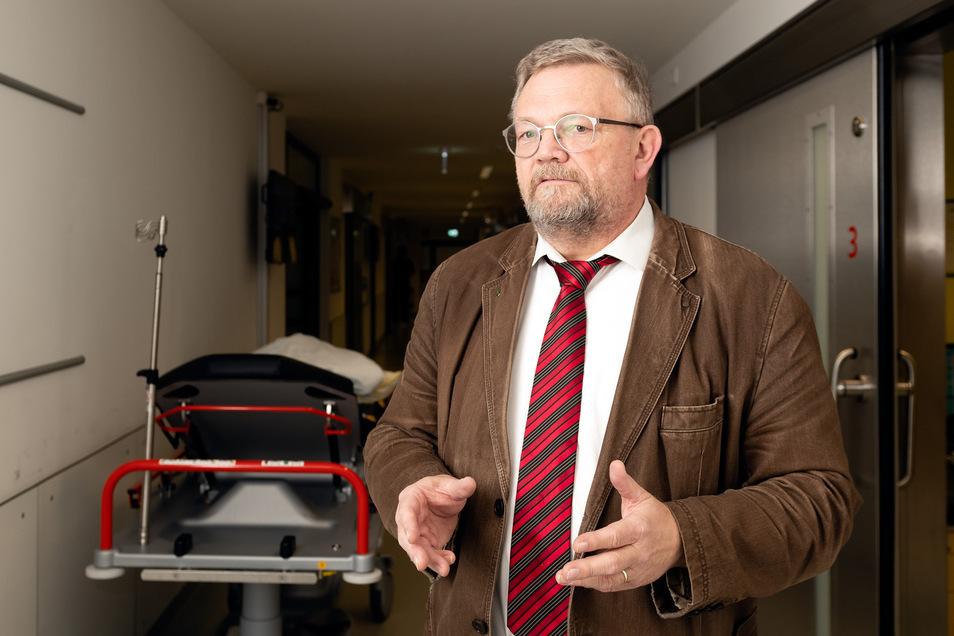 Hauptberuflich ist Rainer E. Rogowski Geschäftsführer der Oberlausitz-Kliniken Bautzen/Bischofswerda.