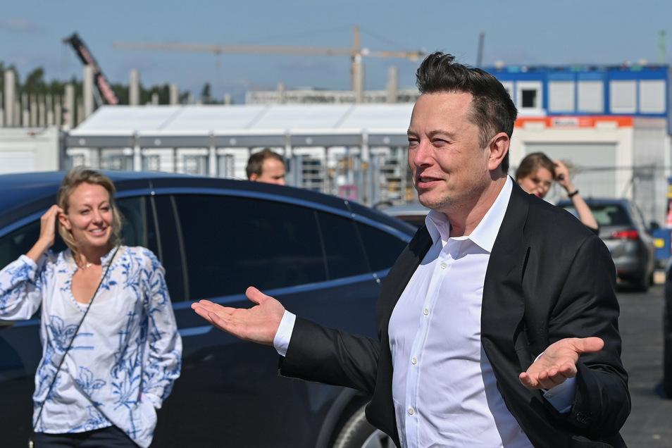 Elon Musk baut eine Fabrik in Grünheide bei Berlin - den Projektleiter hat Tesla nun entlassen.