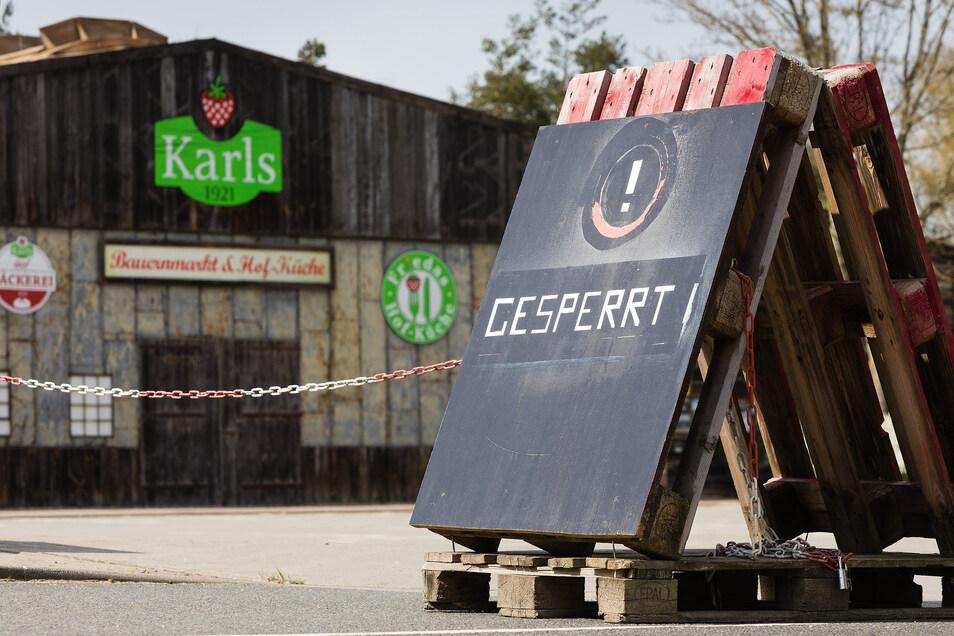 """Auch Karls Erdbeerhof ist derzeit leer. """"Das gab's bei uns noch nie"""", sagt der Chef."""