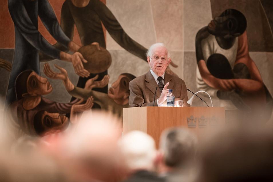 Bis ins hohe Alter trat Kurt Biedenkopf öffentlich auf und hielt Vorträge - wie hier in der Dreikönigskirche in Dresden.