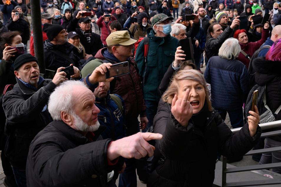 Streitkultur am Limit: Gegner der Corona-Politik protestieren in Dresden.