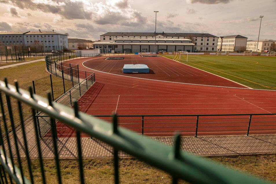 Verwaiste Großenhainer Sportstätten: Seit dieser Woche sind sie wieder im Außenbereich geöffnet.