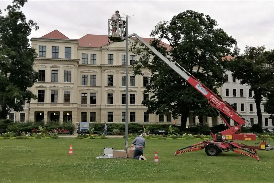 """Auf dem Wilhelmsplatz wurde am Donnerstag eine Lautsprecheranlage installiert. Sie ist Teil von Runde zwei von """"Görlitzer Art""""."""