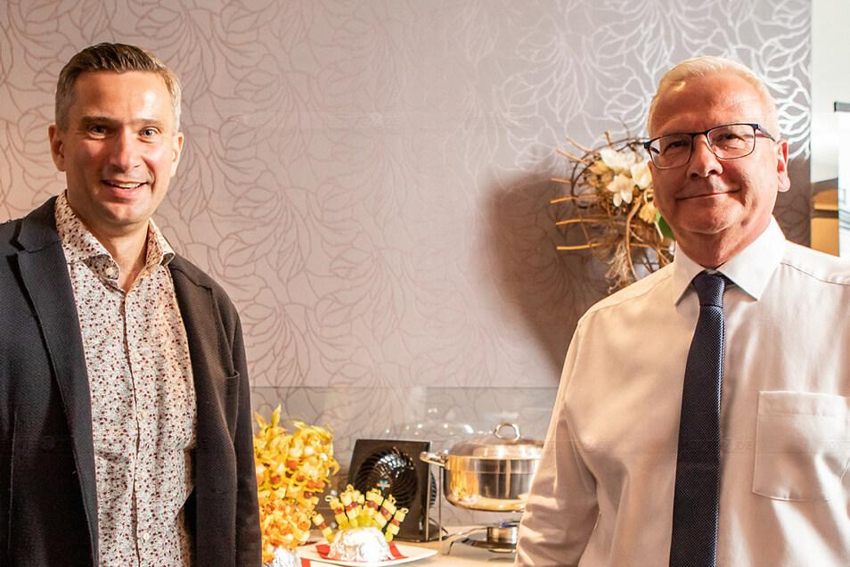 Torsten Ruban-Zeh gewinnt die Oberbürgermeisterwahl 2020 in Hoyerswerda und bekommt Besuch von Sachsens Wirtschaftsminister Martin Dulig.