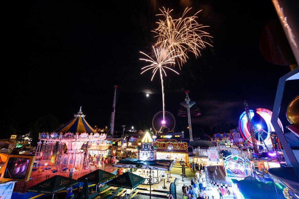 Mit dem Feuerwerk endete am Mittwoch der Jacobimarkt - der Betreiber zieht zufrieden Bilanz.
