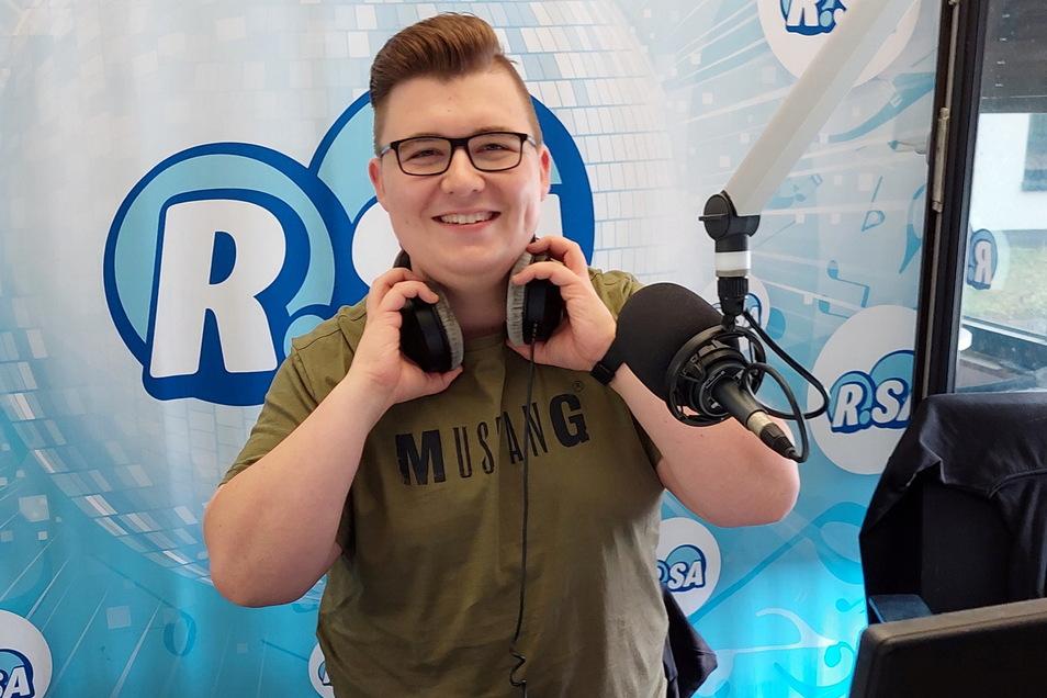 Lukas Fuchs geht ab dieser Woche beim Sender RSA auf Sendung. Der 22-Jährige ist in der Morning-Show für Wetter und Verkehr verantwortlich.