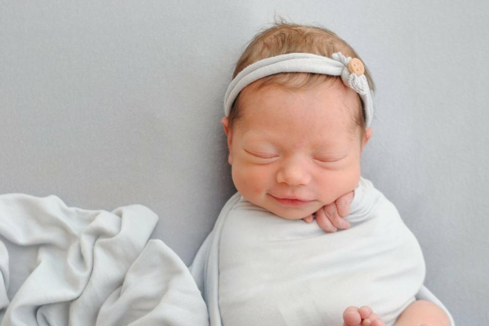 Mascha, geboren am 11. Juni, Geburtsort: Meißen, Gewicht: 2.540 Gramm, Größe: 47 Zentimeter, Eltern: Nadine und Florian Winkler, Wohnort: Meißen