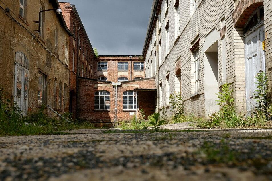 Auf dem Gelände der alten Puppenfabrik auf der August-Bebel-Straße in Nossen wurde die Bombe gefunden, wie sie dort hinkam, ist völlig unklar.