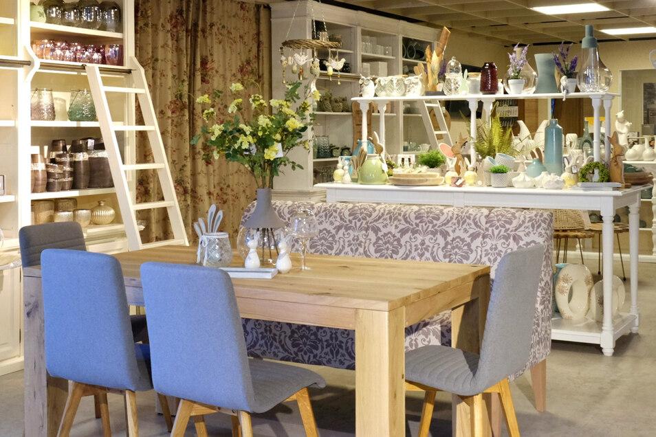 Kompetenz rund um Essen, Wohnen und Schlafen verspricht das Möbelhaus Hülsbusch in Weinböhla.