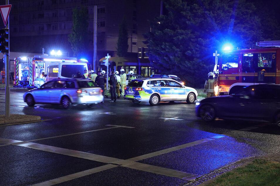 Auf dem Pirnaischen Platz hat sich am Montagabend ein schwerer Unfall ereignet.