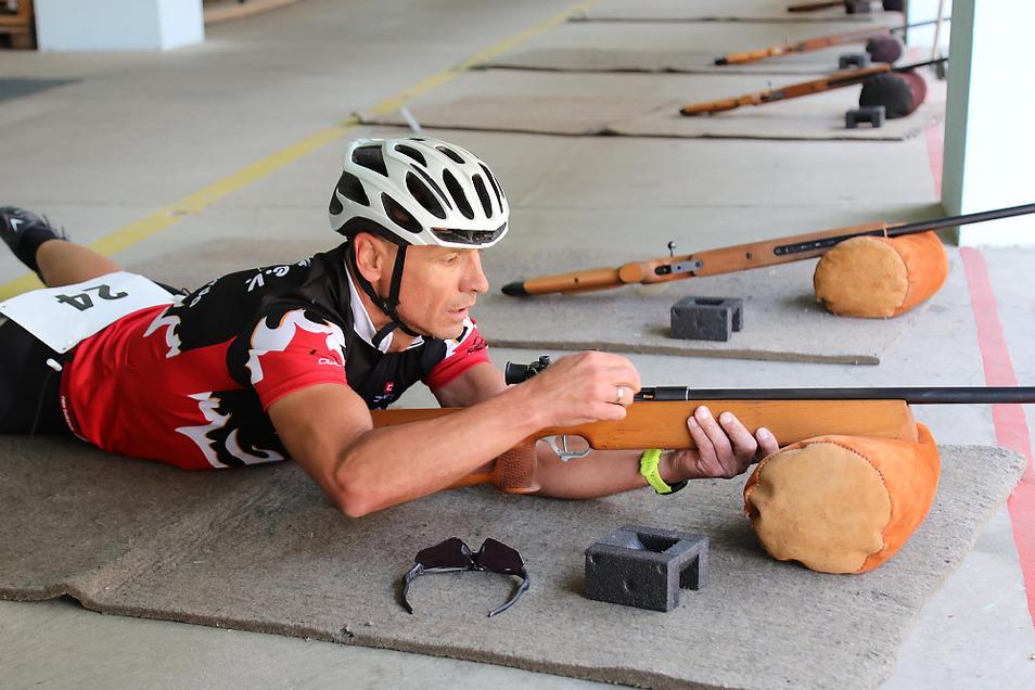 """Mario Neumann (Hoyerswerda) gewann den am stärksten besetzen Wettbewerb der Männer Ü 50 und wurde bei den Staffeln Zweiter mit """"Ganz locker""""."""