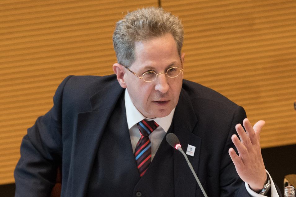 Hans-Georg Maaßen gehört der konservativen CDU/CSU-Splittergruppe Werte-Union an. Für die CDU-Chefin sind einige seiner Aussagen zu konservativ.