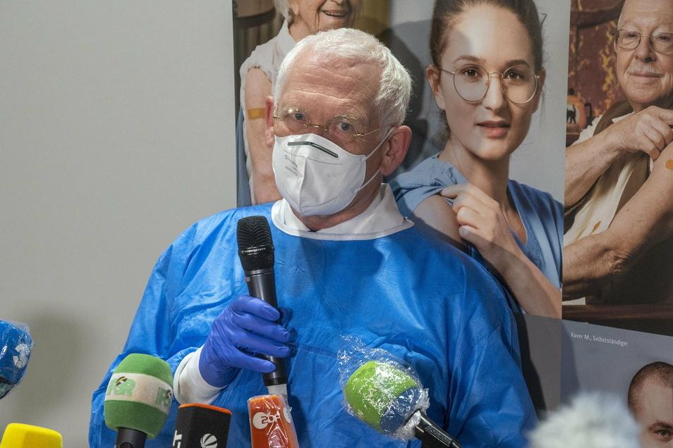 Sachsens KV-Chef Dr. Klaus Heckemann sagte vor Medienvertretern, es könne am Tag die vierfache Menge an Impfungen geben – wenn mehr Impfstoff verfügbar sei.