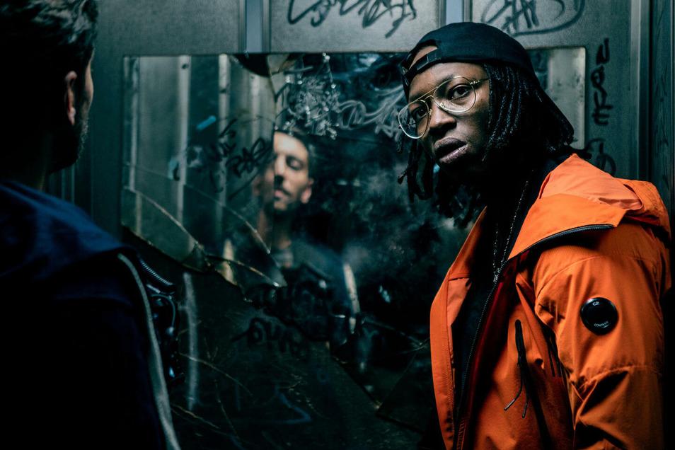 """Eine atemlose Packung an Inhalt und Form ist die Serie """"Caid (Gangsta)"""": Darin ist Tony (Abdraman Diakite) nicht nur Rapper, sondern vor allem ein Clanchef in den Pariser Banlieues."""