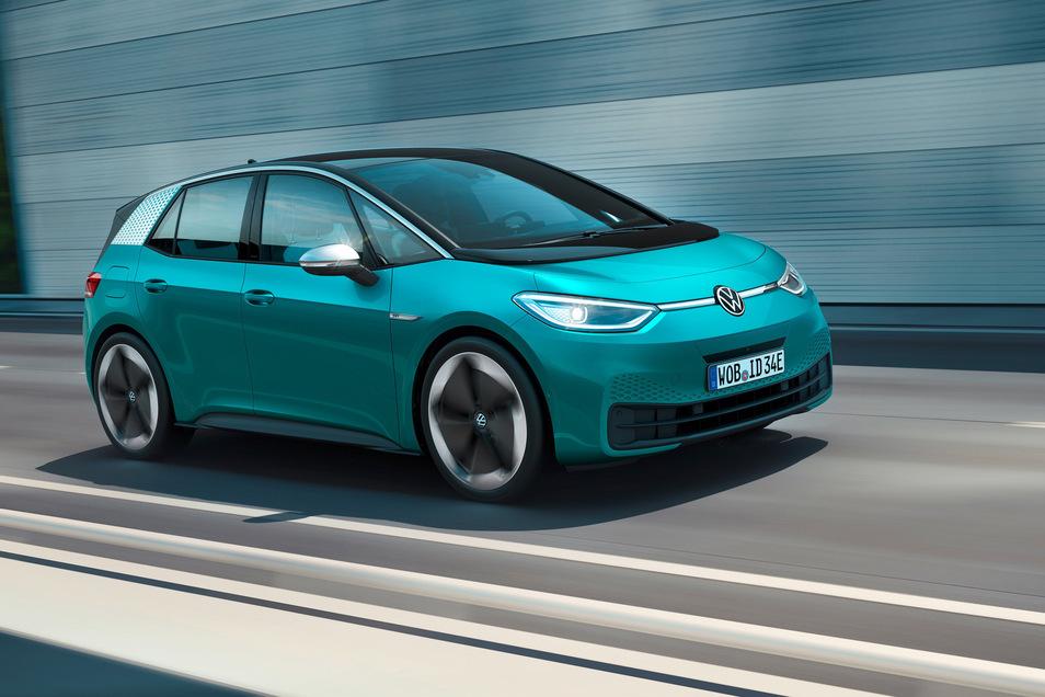 Dem VW ID3 sprechen Branchenkenner Erfolg zu. Er wird seit Ende letzten Jahres produziert. Die Auslieferung ist für Sommer dieses Jahres angekündigt.