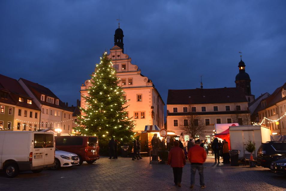Wer betreibt künftig in Dipps und Schmiedeberg Wochen- und Weihnachtsmarkt? Diese Entscheidung steht auf der Tagesordnung für die Stadtratssitzung am Mittwoch.