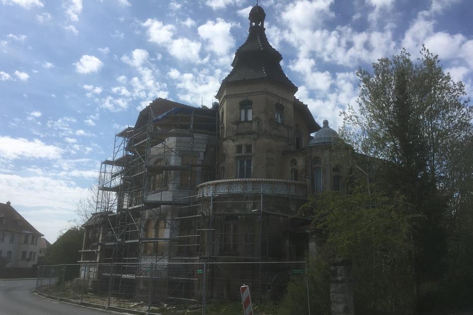 Die Villa in der Dehsaer Straße nimmt mehr und mehr Gestalt an.