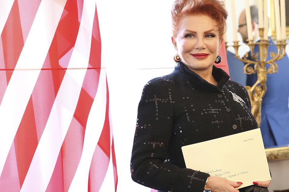 Georgette Mosbacher, Botschafterin der USA in Polen, spricht sich für die Verlegung nach Polen aus.