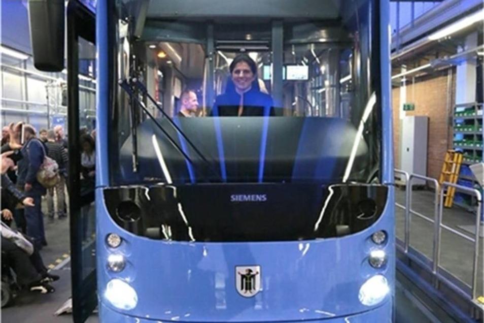 Siemens riskiert eine dicke Lippe. Die Bahn mit der markanten Mundpartie hat das Unternehmen für München gebaut.