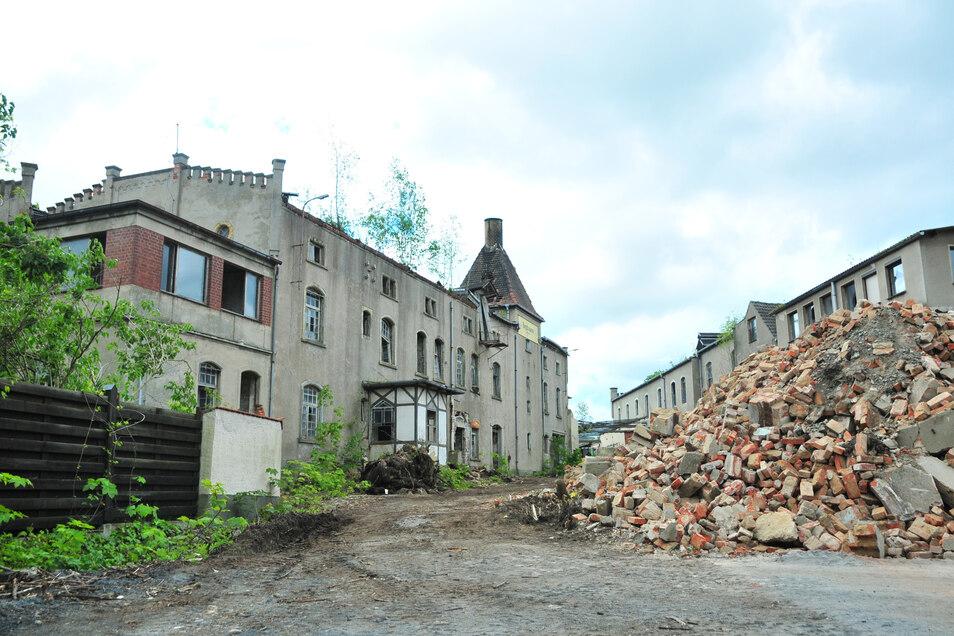 im Frühjahr aktuell, heute historisch: Die Zschieschener Bergbrauerei ist in diesem Jahr abgerissen worden.