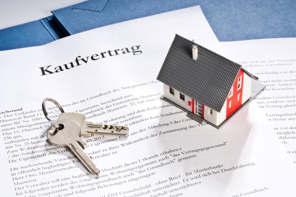 Ein zu hoher Preis kann dazu führen, dass der Verkauf einer Immobilie nicht zustande kommt. Eine professionelle Markteinschätzung vermeidet dieses Risiko.