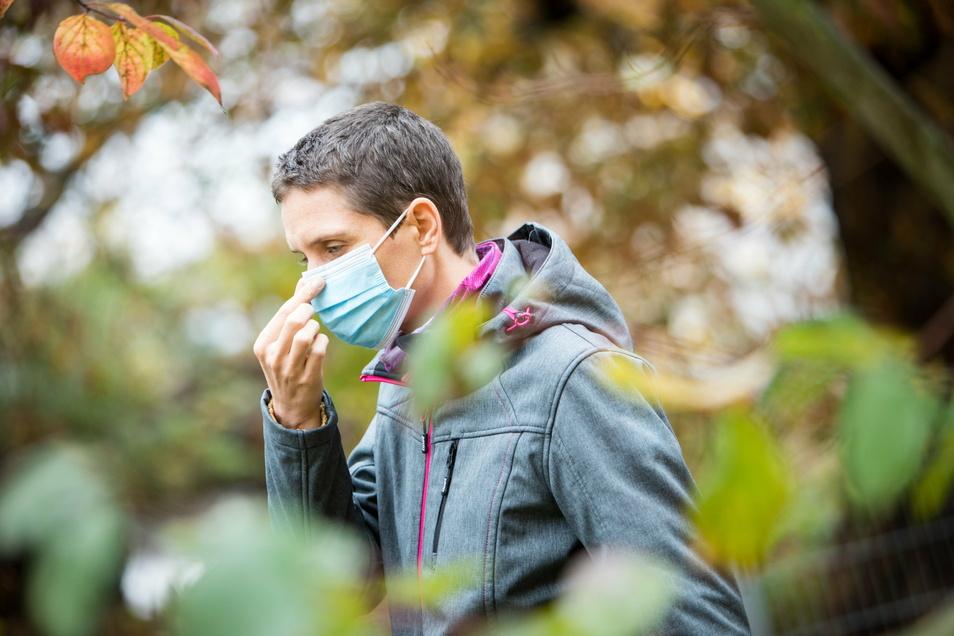 OP-Masken bestehen aus speziellen Kunststoffen und sind Alltagsmasken mit Blick auf die Filterleistung überlegen.