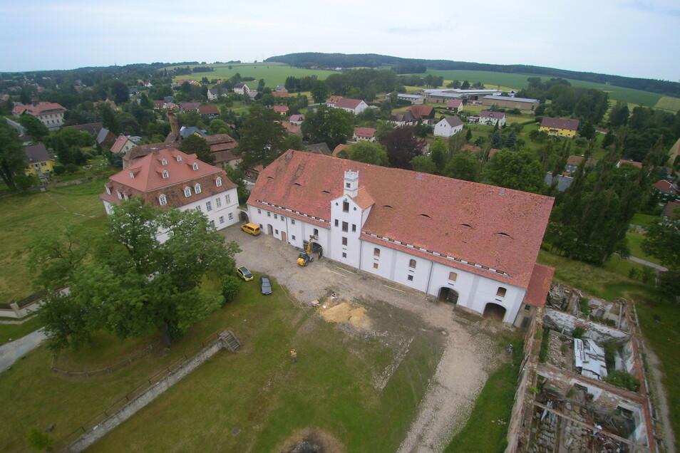 Blick auf das Zinzendorf-Schloss in Berthelsdorf.