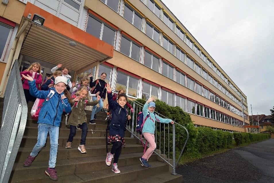 """Der erste Schultag nach den Osterferien war für die Kinder der Grundschule """"Am Weinberg"""" in Roßwein gleichzeitig der erste Unterrichtstag in ihrem Schulgebäude. Wegen Bauarbeiten wurden sie fast ein dreiviertel Jahr im MFM unterrichtet."""