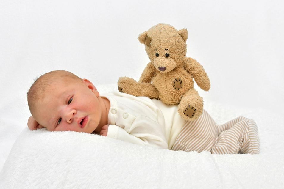 Tillmann, geboren am 26. August, Geburtsort: Pirna, Gewicht: 3.450 Gramm, Größe: 50 Zentimeter, Eltern: Stefanie Arnold und Stefan Miskalla, Wohnort: Pirna