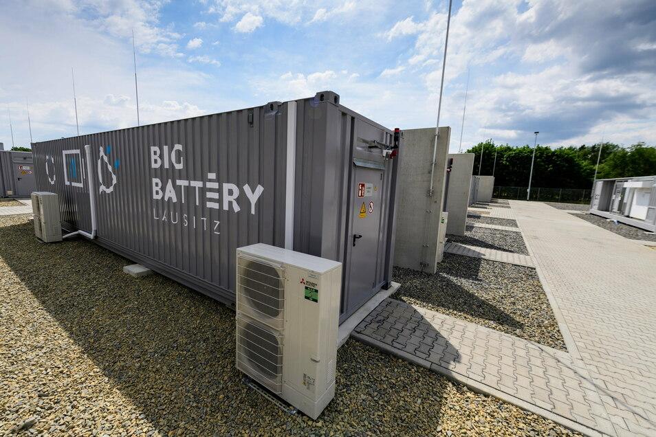 Am Standort Schwarze Pumpe hat der Energiekonzern Leag diesen Stromspeicher namens Big Battery aufgestellt. Nun investiert er in ein neues Gaskraftwerk.